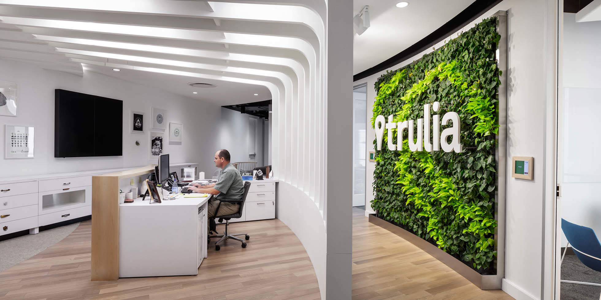 Trulia Living Wall by Habitat Horticulture - View 1