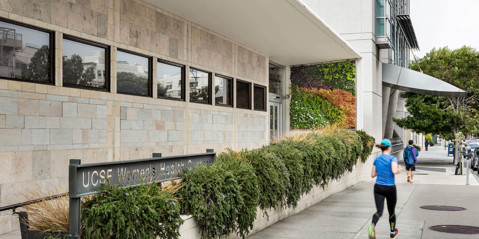 UCSF Women's Health Center Living Wall by Habitat Horticulture - View 2