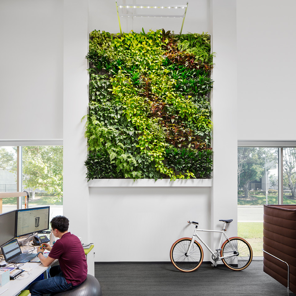 Simplehuman Living Wall by Habitat Horticulture - View 1