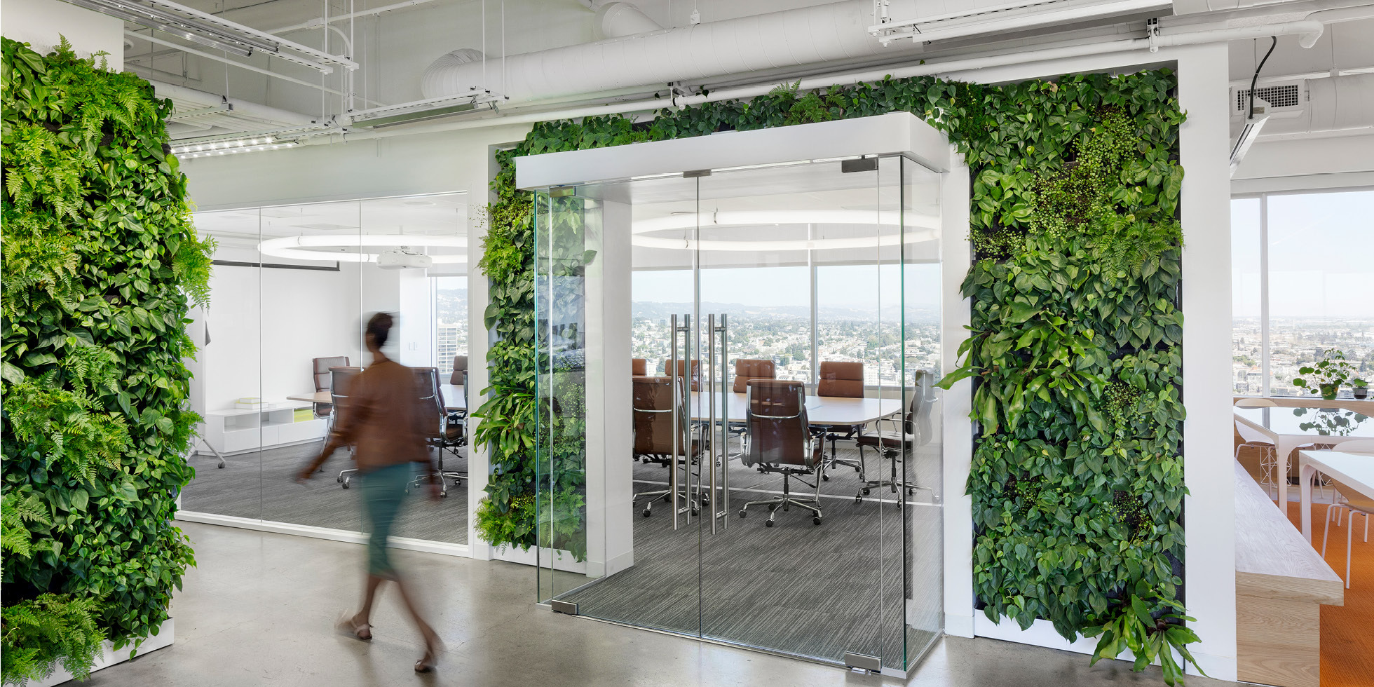 Solar Mosaic Living Wall by Habitat Horticulture - View 1